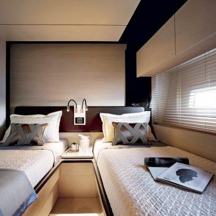 82_20170119064448_72-starboard-side-guest-cabin-sand-oak-&-glossy-ebony-version_mid-res