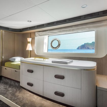 98_20171218104030_azimut60_gallery_0009_60-master-cabin-4_low-res